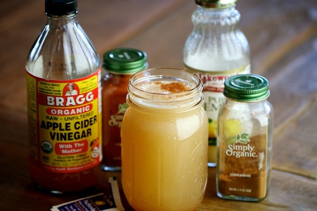 Dr_AxE_Homemade_Detox_Drink_With_Apple_Cider_Vinegar.jpeg